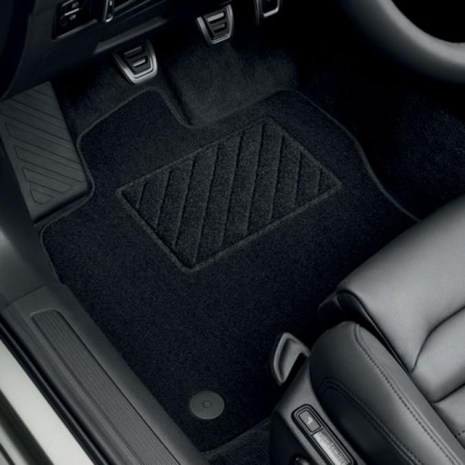 Komplet dywaników tekstylnych Jetta A6/A6 GP