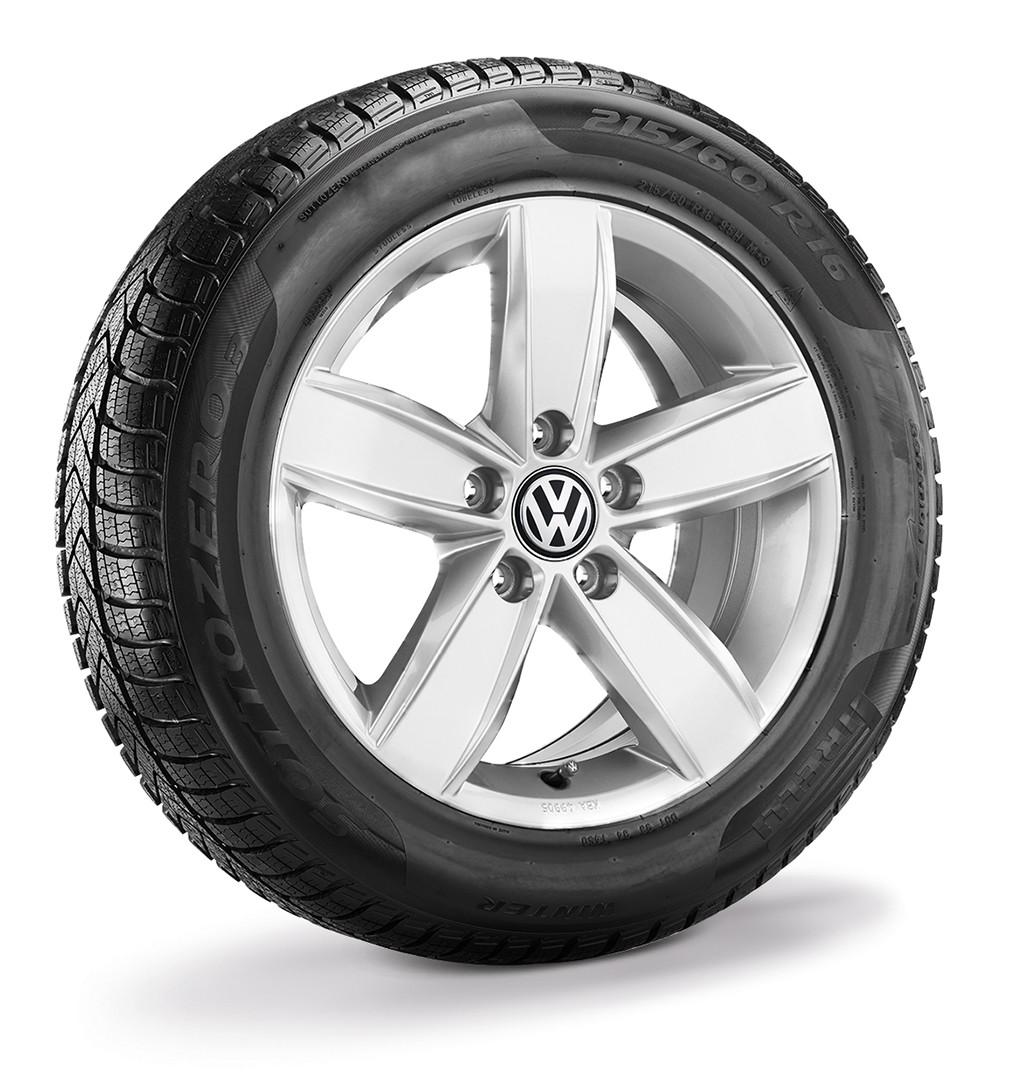 """Koło zimowe Passat B8 16"""" prawe  z oponą Pirelli"""